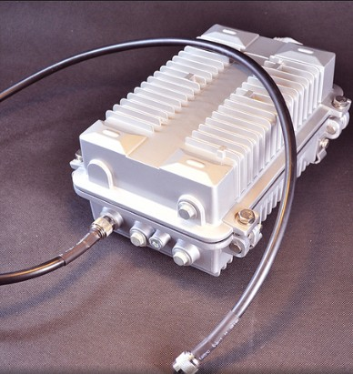 Powerful 50W 2.4GHz and 5.8GHz blocker WiFi Jammer  3