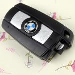 Motion detection keychain camera